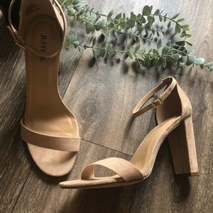 New JustFab Tan Ankle Strap Basic Heels Size 9